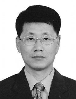 김 철 우<br /><br />도 선거관리위원회 공보계장