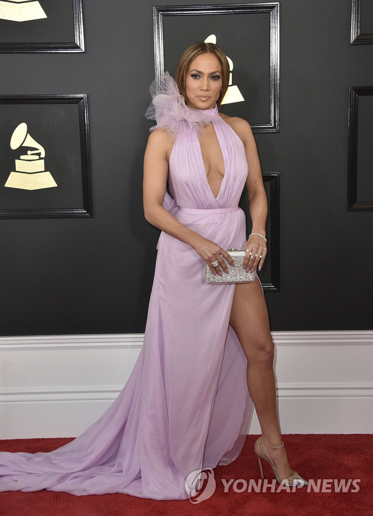 ▲ Jennifer Lopez arrives at the 59th annual Grammy Awards at the Staples Center on Sunday, Feb. 12, 2017, in Los Angeles.