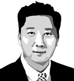 ▲ 홍석민   한림대 광고홍보학과 교수