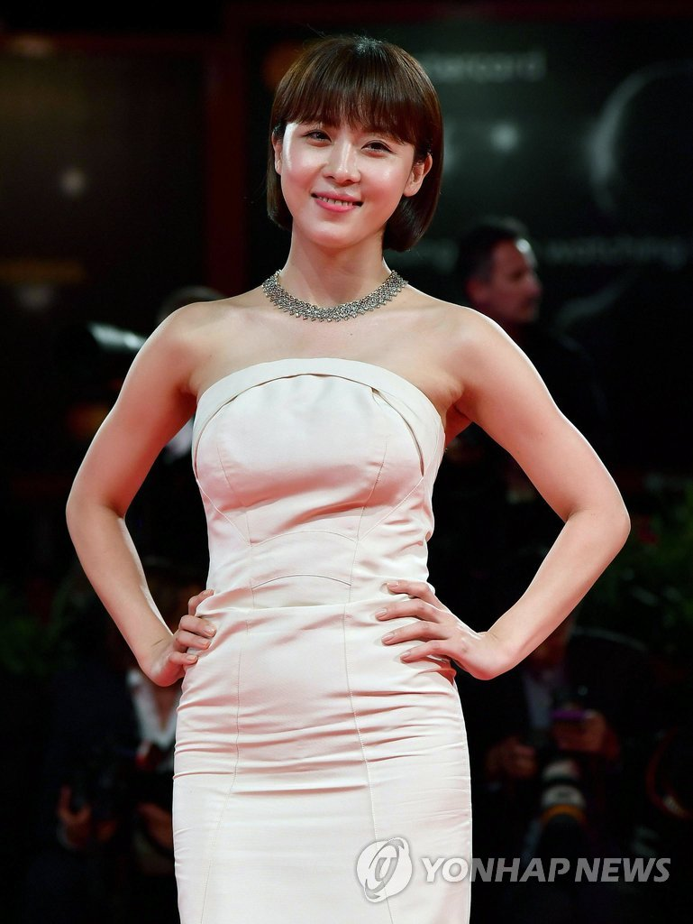 "▲ Actress Ha Ji-Won attends the premiere of the movie ""Zhuibu"" (Manhunt) presented out of competition at the 74th Venice Film Festival on September 8, 2017 at Venice Lido."