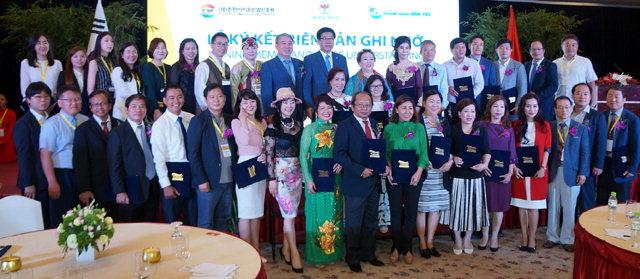 ▲ 춘천바이오산업진흥원은 지난 13일부터 사흘동안 베트남에서 특판전 & 수출상담회를 개최,도내 바이오 기업들의 판로 확대와 제품 수출에 기여했다.