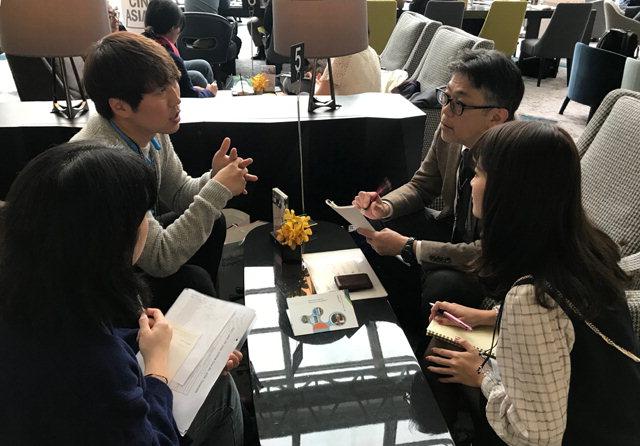 ▲ 강원영상위원회(위원장 방은진)는 17일 부산 파라다이스호텔에서 열린 '링크 오브 시네아시아'에 참가해 중국,인도,싱가포르 등 영화 제작팀,투자·제작사와 비즈미팅을 진행했다.