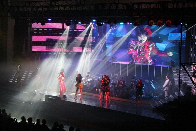 ▲ 엔카의 여왕 가수 김연자 콘서트가 지난달 30일 치악체육관에서 성황리에 열렸다.