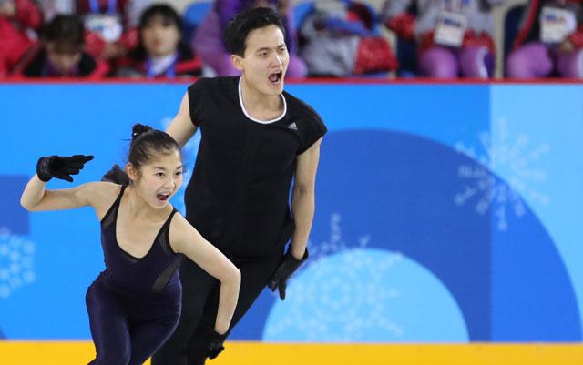▲ 북한 피겨 페어 렴대옥(왼쪽)-김주식