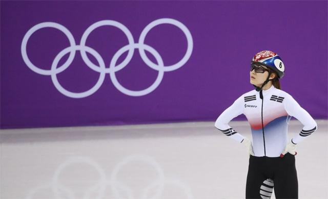 ▲ 13일 오후 강릉 아이스아레나에서 열린 2018 평창동계올림픽 쇼트트랙 여자 500m 결승에서 최민정이 기록을 바라보고 있다.2018.2.13