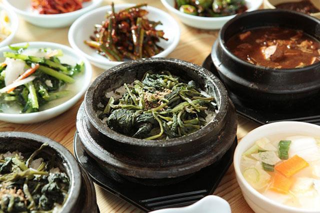 ▲ 정선 동박골식당 돌솥곤드레밥