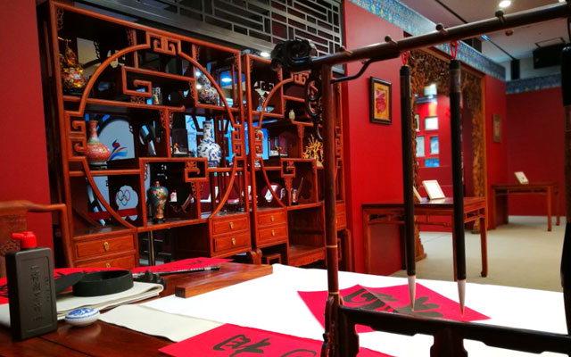 ▲ 2022베이징동계올림픽 홍보를 위해 강릉 송정동에 들어선 차이나 하우스(China House)의 모습.중국 전통을 느낄 수 있는 가구와 작품 등이 전시돼 있다.
