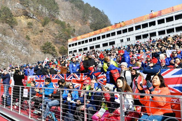 ▲ 평창동계패럴림픽 알파인스키·스노보드 경기가 열리고 있는 '정선알파인센터'의 입장 관중수가 연일 증가하면서 인기 경기장으로 주목을 받고 있다.
