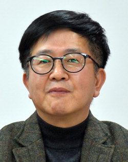 ▲ 김원동 강원대 교수
