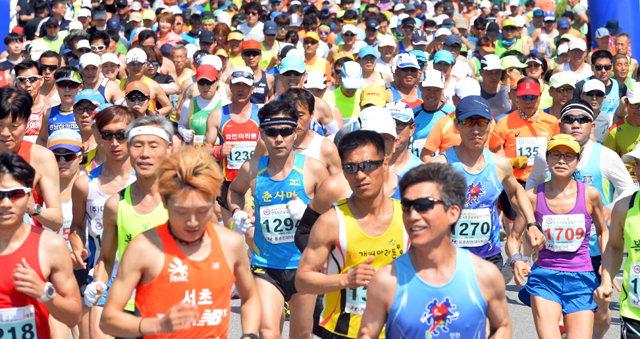 ▲ 지난해 열린 산림청장배 전국 푸른 숲길 달리기대회 출발 모습.