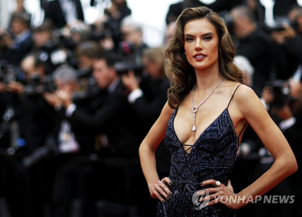 "71st Cannes Film Festival - Screening of the film ""Solo: A Star Wars Story"" out of competition - Red Carpet Arrivals - Cannes, France May 15, 2018. Alessandra Ambrosio arrives. REUTERS/Stephane Mahe"