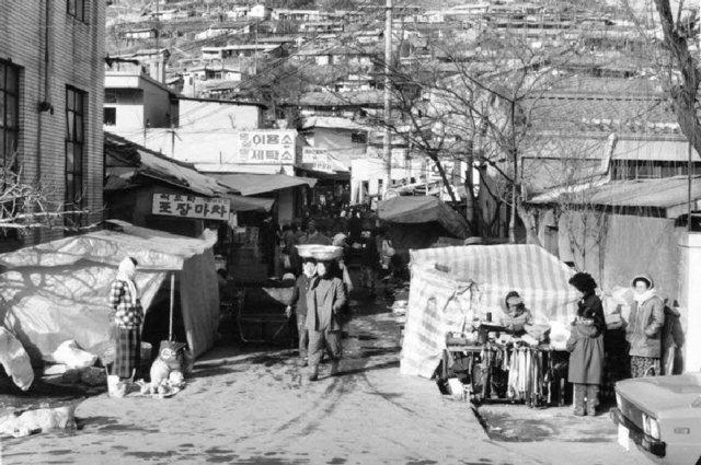 ▲ 1960-70년대 논골담길 사진제공=동해문화원