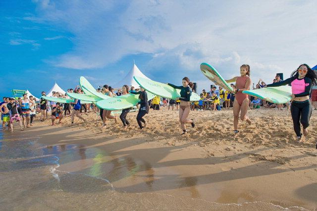 ▲ 지난해 고성 삼포해수욕장에서 열린 서핑축제.