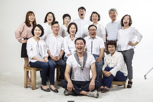 ▲ 극단 도모는 오는 13,14일 춘천 소극장 도모에서 시민 배우들이 만든 옴니버스 연극 '아는 사람 이야기'를 선보인다.