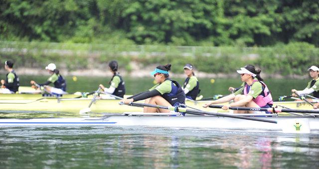 ▲ 청소년 조정 국가대표 선수단이 9일 북한강 피니쉬 타워 인근에서 훈련하고 있다.