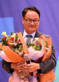 ▲ 더불어 민주당 도당위원장에 선출된 허영 위원장
