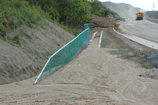 ▲ 평창동계올림픽 주요 진입도로였던 군도 14호선의 배수시설이 지난 5월 집중호우로 매몰됐었다.
