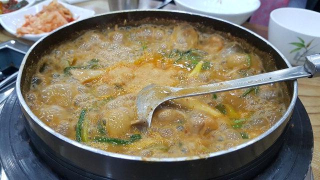 ▲ 미꾸라지 김가네 원주추어탕은 뼈를 갈아낸 육수로 구수한 맛을 낸다.