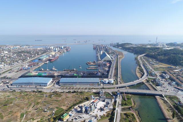 ▲ 동해항 동해항 3단계 개발사업이 본격 추진되고 있다.남북 경협에 따른 북방 물류의 전초 기지 역할을 할 것으로 기대된다.