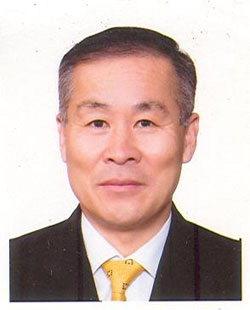 ▲ 이선국 고성 아야진초교 총동문회장