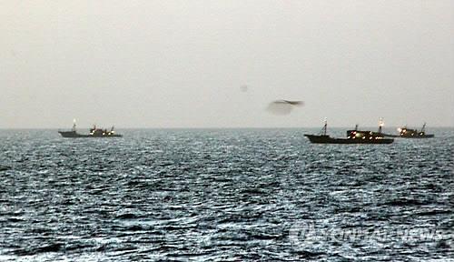 ▲ 동해안 북한 수역으로 이동하는 중국어선. [동해해경 제공]