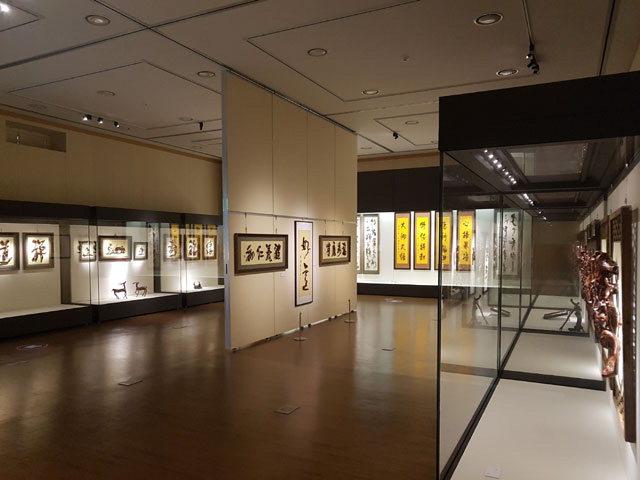 ▲ 탄허기념박물관은 월정사 성보박물관에서 내년 2월28일까지 특별기획전 '중국 근서화의 대가 양옥빙 작가전'을 열고 작품 60여점을 전시한다.