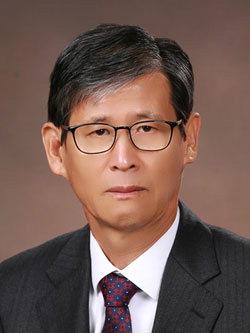 ▲ 김원길 국가상징물연구가