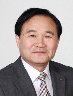 ▲ 이세현 전 춘천시 학교운영위원장 협의회장