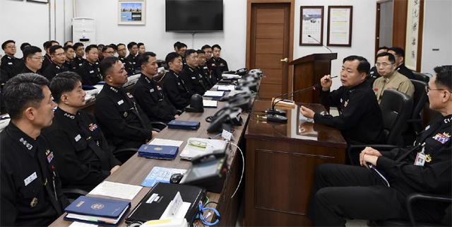▲ 심승섭 해군참모총장은 지난 7일 1함대사령부를 방문,군사대비태세를 점검했다.