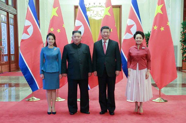 ▲ 북한 노동당 기관지 노동신문이 김정은 국무위원장의 4차 방중 소식을 10일자 지면에 사진과 함께 보도했다.