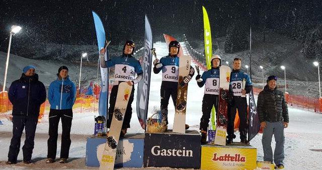 ▲ 이상호(9번)는 10일(현지시간) 오스트리아 바트가슈타인에서 열린 2018-2019 FIS 스노보드 유로파컵 남자 평행 회전 대회 결승에서 드미트리 로지노프(러시아)를 0.26초 차로 제치고 우승했다.