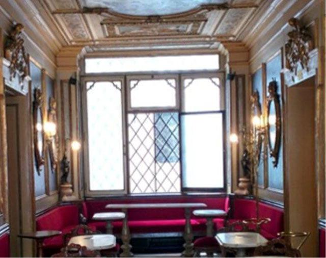 ▲ 카페 플로리안의 내부 모습