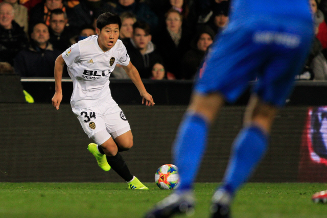 ▲ VALENCIA, SPAIN, JAN 29, 2019 : Kang In Lee, South Korea player for Valencia Cf during the Copa del Rey Quarter-final 2nd Leg between Getafe CF and Valencia CF at the Estadio de Mestalla in Valencia, Spain, 29 January 2019. (Editorial Use Only)&#10;Photographer: PENTA PRESS&#10;***** SOUTH KOREA USE ONLY *****&#10;축구, 스페인, 국왕컵, 코파 델 레이, 발렌시아, 헤타페, 이강인&#10;&#10;&#10;&#10;<All rights reserved by Yonhap News Agency>