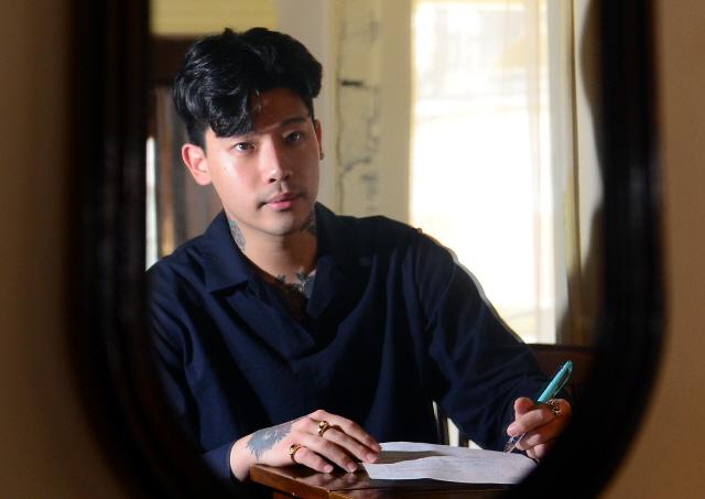 ▲ 안티프리즈 바버샵·FAKE LOVERS·로파이호텔을 운영하는 박상원 대표가 최근 본지와 인터뷰를 가졌다.  김명준