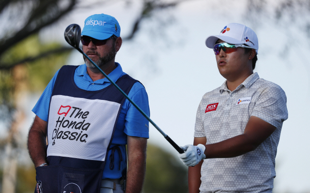 ▲ 이경훈(28)이 미국프로골프(PGA) 투어 혼다 클래식(총상금 680만 달러) 1라운드에서 공동 6위로 선전했다.