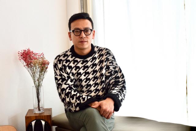 ▲ 장우진 영화감독이 최근 춘천의 한 카페에서 본지와 인터뷰를 가졌다.