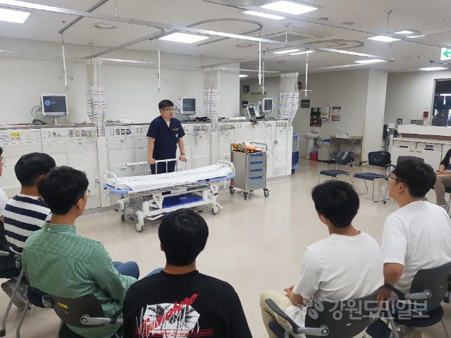 ▲ 원주소방서(서장 이병은)는 15일 원주세브란스기독병원에서 구급대원을 대상으로 전문 소생술 교육을 했다.