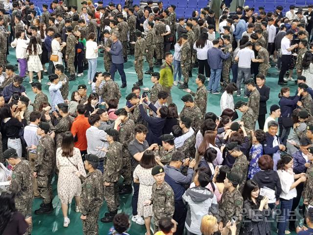 ▲ 육군7사단 상승칠성부대 신병교육 수료식이 화천 실내체육관에서 열렸다.