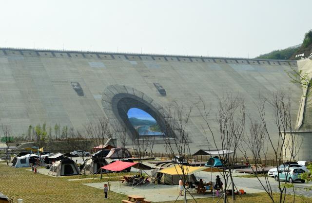 ▲ 화천 평화의 댐 오토캠핑장