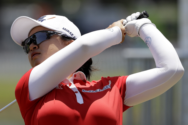 ▲ Sei Young Kim of South Korea, watches her ball on the 18th tee during the first round of the U.S. Women's Open golf tournament, Thursday, May 30, 2019, in Charleston, S.C. (AP Photo/Steve Helber)    <All rights reserved by Yonhap News Agency>