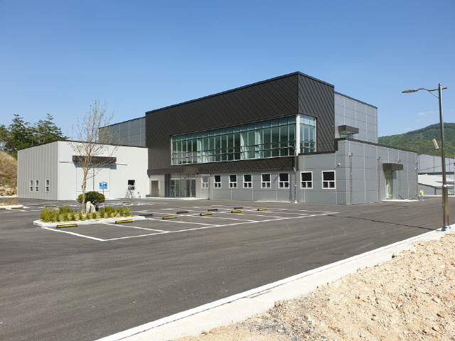 ▲ 내달부터 운영에 들어가는 영월군창업보육센터 전경.
