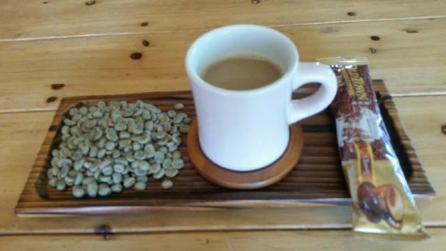 ▲ 생두와 인스턴트 커피.