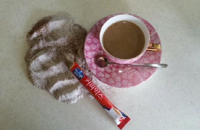 ▲ 커피,크림,설탕이 적절하게 혼합된 삼합의 믹스커피
