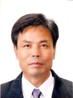 ▲ 제7회 강원도서예전람회수에서 대상을 수상한 한희종 씨