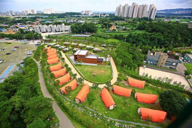 ▲ 컴퍼니키바가 컨설팅에 참여,사이트 조성을 기획한 경기 의왕 왕송호수캠핑장 글램핑 파크.