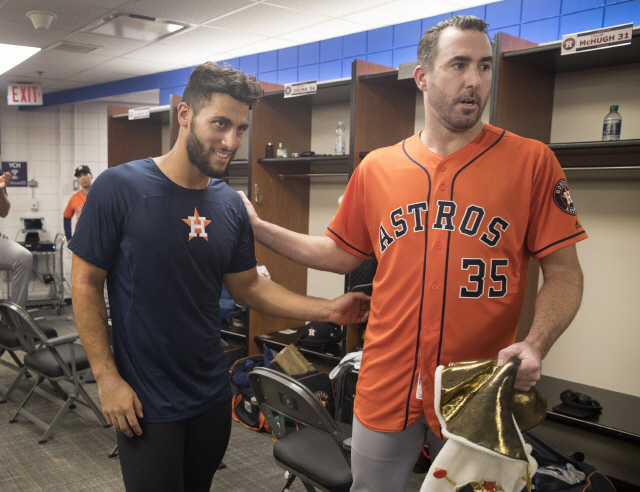 ▲ Houston Astros starting pitcher Justin Verlander, right, celebrates in the clubhouse with teammate Abraham Toro after they defeated the Toronto Blue Jays in a baseball game in Toronto, Sunday Sept. 1, 2019. Verlander pitched a no-hitter and Toro hit a go-ahead two-run home run in the ninth. (Fred Thornhill/The Canadian Press via AP)