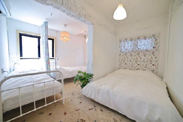 ▲ 1970년대 지어진 여인숙을 개조한 위크엔더스의 객실.