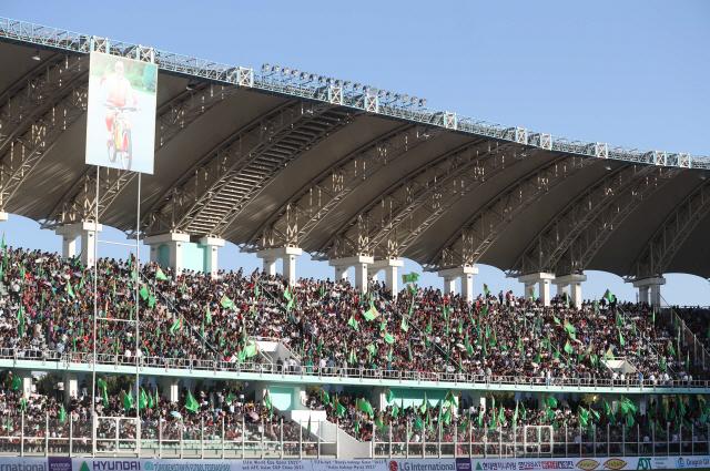 ▲ 10일(현지시간) 투르크메니스탄 아시가바트 코페트다그 스타디움에서 열린 2022 카타르 월드컵 아시아지역 2차 예선 H조 1차전 한국과 투르크메니스탄과의 경기. 경기 시작 한시간 전부터 관중들이 자리에 앉아 기다리고 있다. 2019.9.10