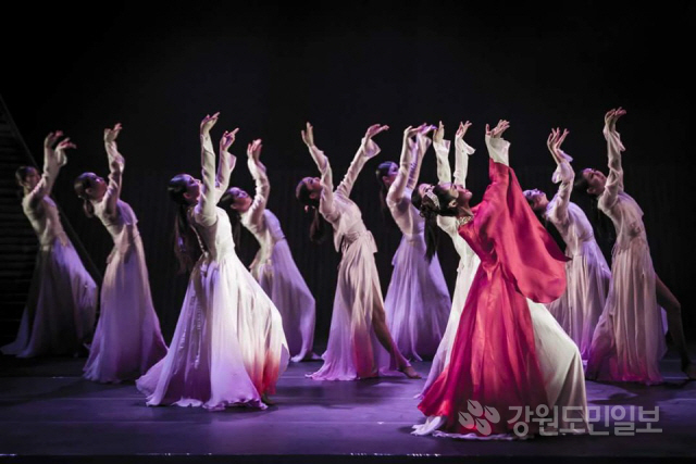 ▲ '아리랑제와 함께하는 댄싱퍼레이드'가 7일 2019정선아라랑제 폐막일 무대에 오른다.