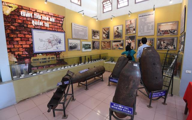 ▲ 베트남 전쟁박물관.전쟁 당시 사용된 포탄이 전시돼 있다.